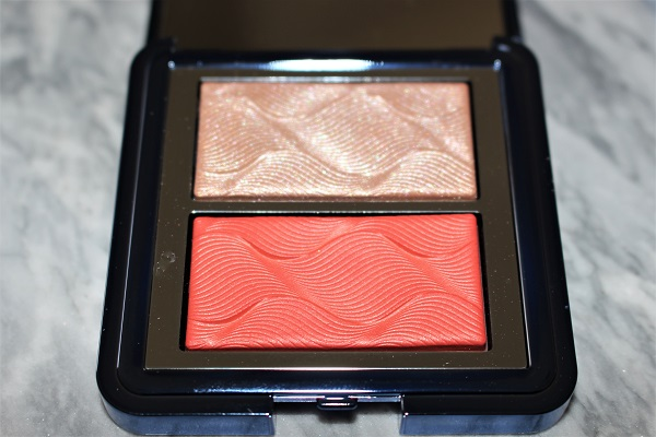 Chantecaille Radiance Chic Cheek & Highlight Duo - Coral