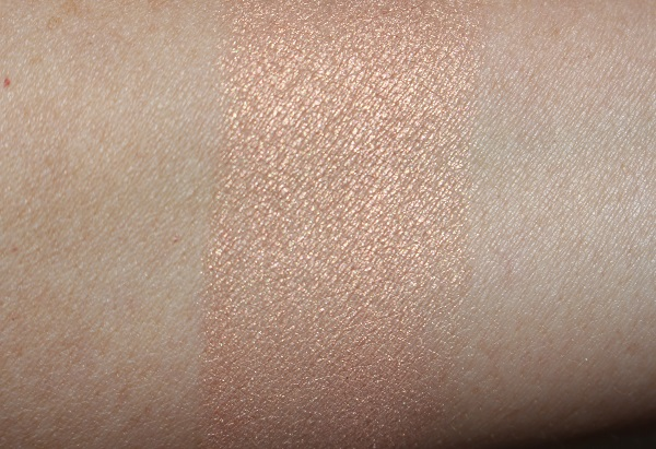 Twinkle Glow CC Highlighter Swatch