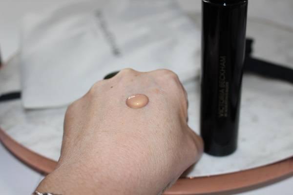 Golden Victoria Beckham Cell Rejuvenating Priming Moisturiser Swatch
