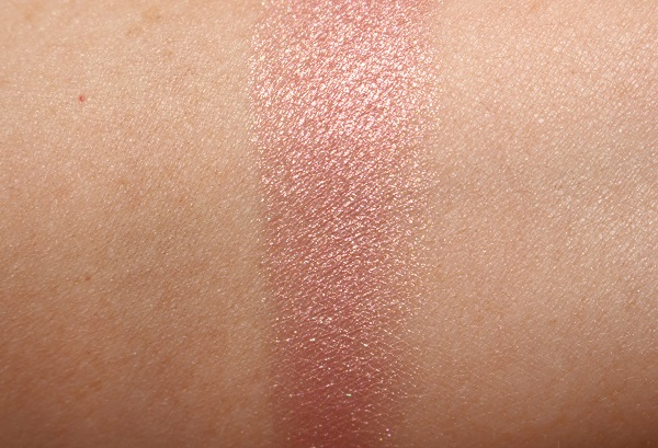 Sunet Glow Highlighting Powder Swatch