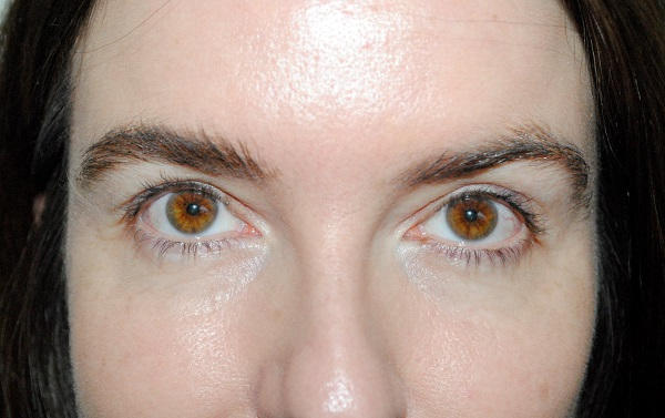 BBB London Brow Build Gel - After on left, before on right