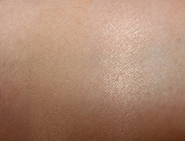 Charlotte Tilbury Airbrush Bronzer No 1 vs Chanel Sand Swatches