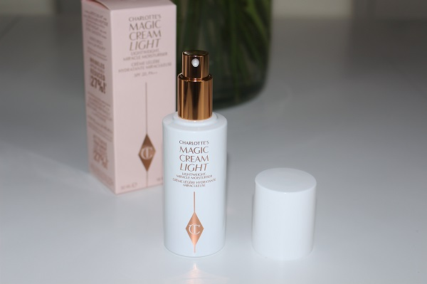 Charlotte Tilbury Magic Cream Light