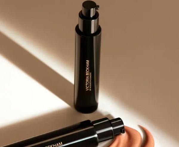 Best Makeup 2021 - Victoria Beckham Cell Rejuvenating Priming Moisturiser Golden